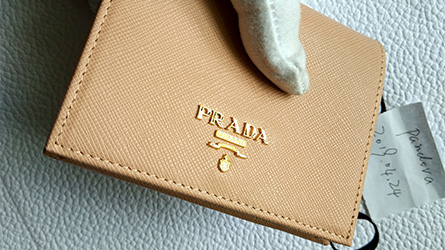 Prada - Saffiano Leather Short Bi-fold Clasp Slim Wallet Wallet